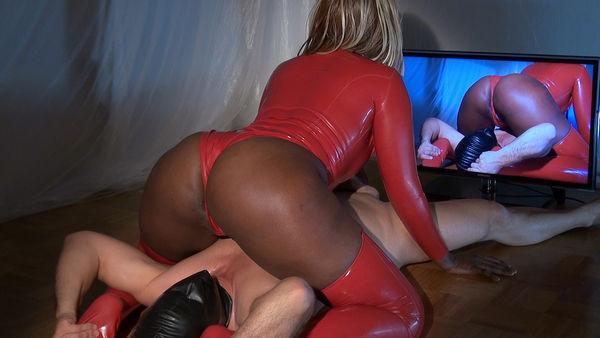 Sweaty Face Sitting - Mistress Ava Black