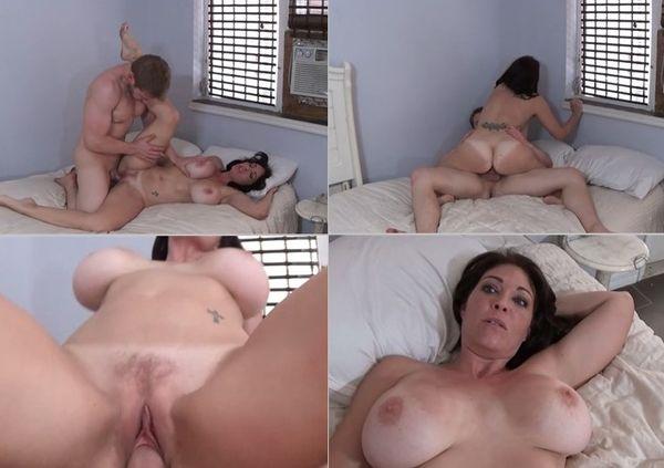 porno-mom-son-family