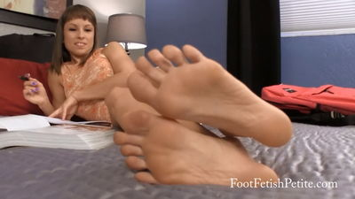 Foot Fetish Petite - Study Night Worship Alyssa Kayson