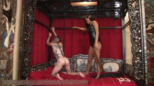 Young-Goddess-Club - GODDESS REBELA, SLAVE DUNCAN - THE CHINESE ROOM - PART 1