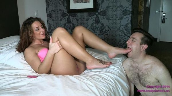 BratPrincess - Savannah - Rich Brat Enjoys Foot Worship From Chastity Servant