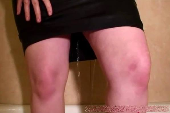 AliceInBondageLand - Miss Quinn Helix - Latex Shower Peepshow