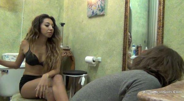 Clips4Sale - Princess Jenn - Clean my Bathroom with your Tongur Redux