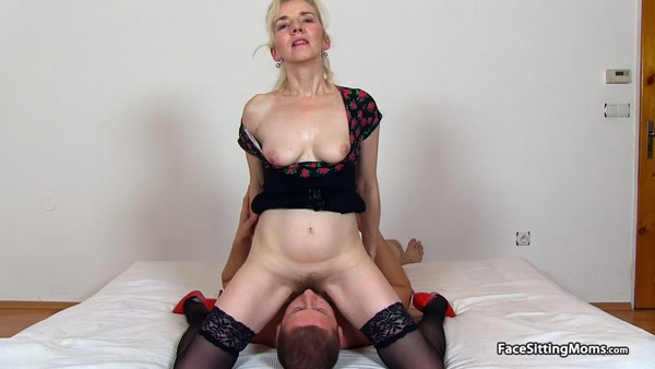FaceSittingMoms - Maya - Mature Face Sitting on her Slave