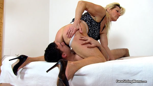 FaceSittingMoms - Hana - Mature Face Sitting on her Slave