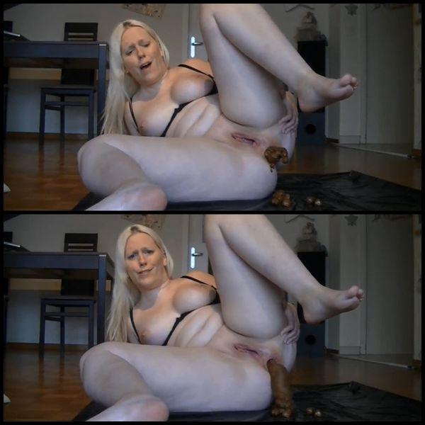 Mega dildo in ass and Kackwurst