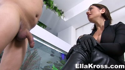 Ella Kross