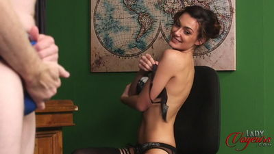 Lady Voyeurs - Laura Strauss - Teacher's Favour