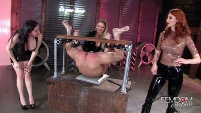 Femdom Empire - Alexandra Snow, Kendra James, Lexi Sindel - Spread Wide and Beaten Red