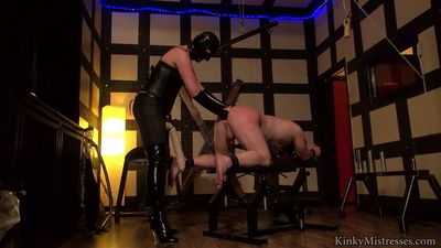 Kinky Mistresses - Lady Juliette - My Fist In Your Arse