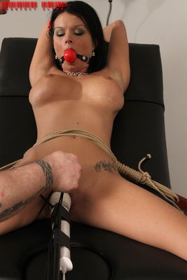 Perfect Slave - Pussy Problems - Bailey Brooks
