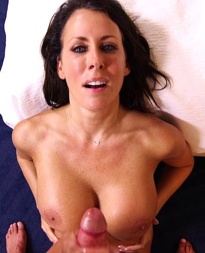 Reagan – Beautiful busty swinger webcam MILF – MomPOV – 07/20/16 – HD 720p