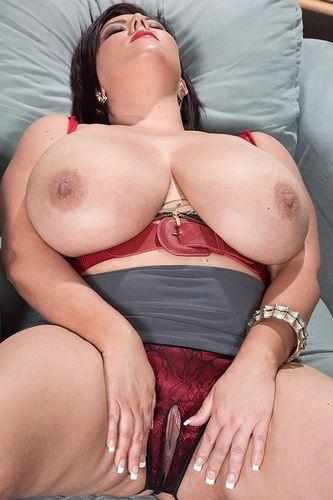 Paige Turner – Triumphant Tits – 08/04/16 – FullHD 1080p