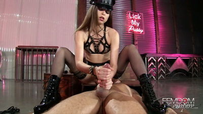 Femdom Empire - Riley Reid - Drenched in Squirt