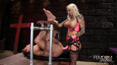Femdom Empire - Blondes have more fun!