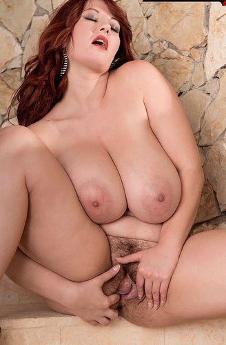 Vanessa Y. – Stairway to big-boob heaven – 07/19/16 – HD 720p