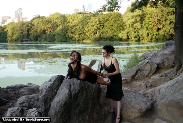 WP – Jan 25, 2007 – Betty Baphomet and Nadia Styles