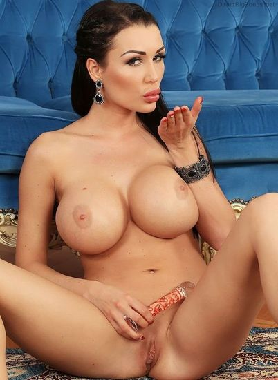 Latina tits olied up