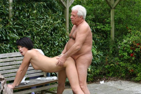 секс фото девушки со стариками