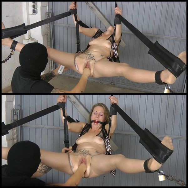 Fisted with AmateureXtreme