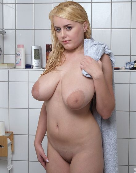 Pamela – Bathroom (nadine-j.de)