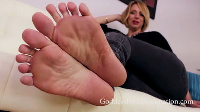 Goddess Foot Domination - Brianna's Loyal Footslave