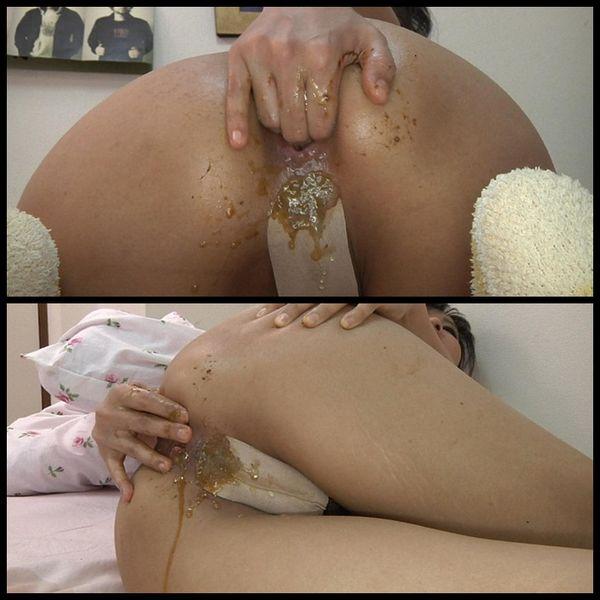 Scatologic Anal Masturbation 02