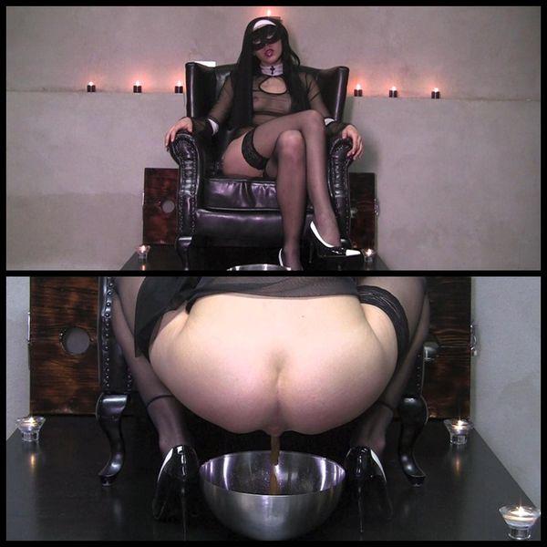 Scat mistress clip Deja Twitter
