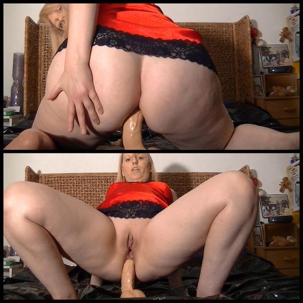 Giant dildo anal hammered in rosette – Riesendildo tief anal in meiner Rosette