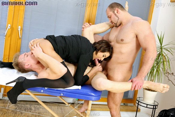 Bimaxx – Make It An MMF Massage