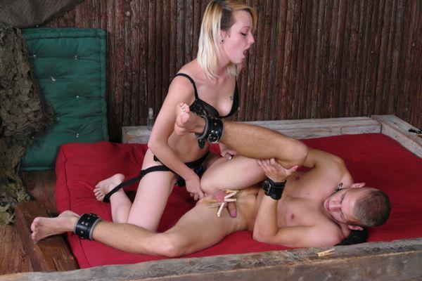 CFNM painful pleasure part 3