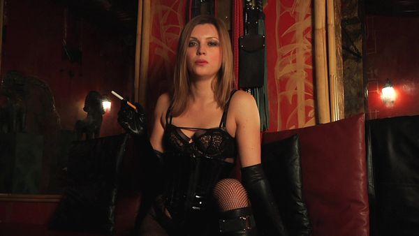 Sexy Smoking Fetish Dominatrix