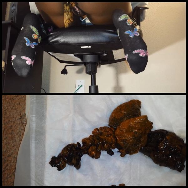 Pooping from office chair – Solo Scat, Poopping