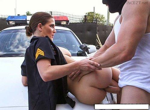 Порно полицейский и рыжая на улице 4