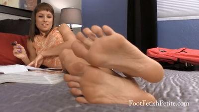 Foot Fetish Petite - Study Night Worship Alyssa Kayson