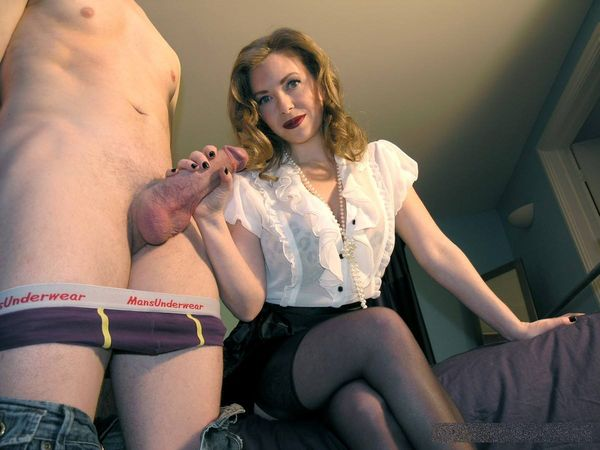 TheEnglishMansion - Mistress T - Cuck Husband POV complete