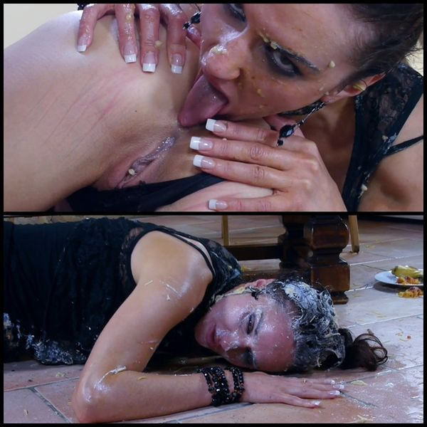 Vicky & Rafaella – lesbian puke and shit party