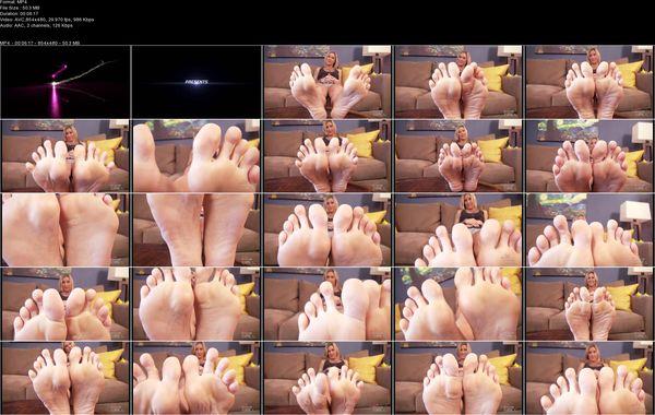 Kleio Valentien's Foot freak JOI