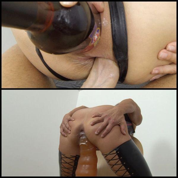 latex-angel-pussy-pump