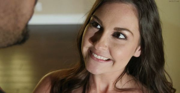 Brittany Shae Gets Some Brotherly Love Deep Inside HD