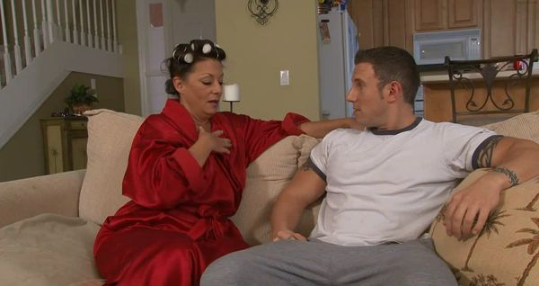 Mother and Son Home-alone HD