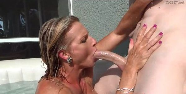 Mature mom needs masturbation for starters - 2 7
