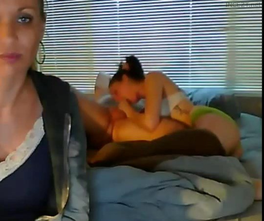 Mom-Daughter-Step-Father Webcam!